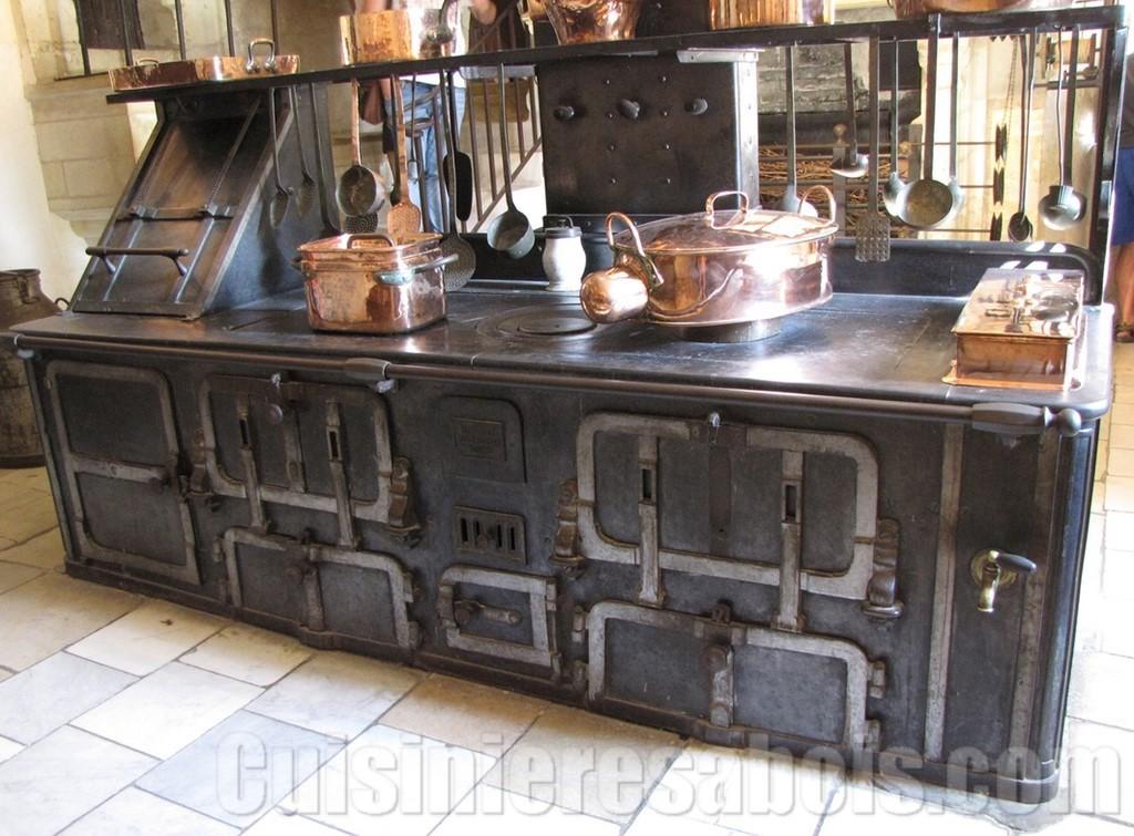 les originies de la cuisini res bois. Black Bedroom Furniture Sets. Home Design Ideas